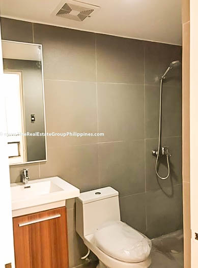 Peak Tower 3BR Salcedo Makati Condo For Sale-9