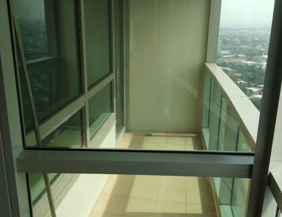 2 Bedrooms Condo For Rent, The Residences At Greenbelt Balcony 1