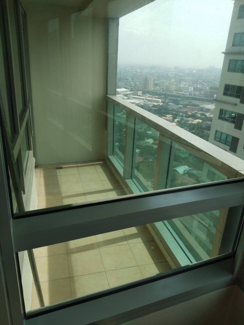 2 Bedrooms Condo For Rent, The Residences At Greenbelt Balcony 2