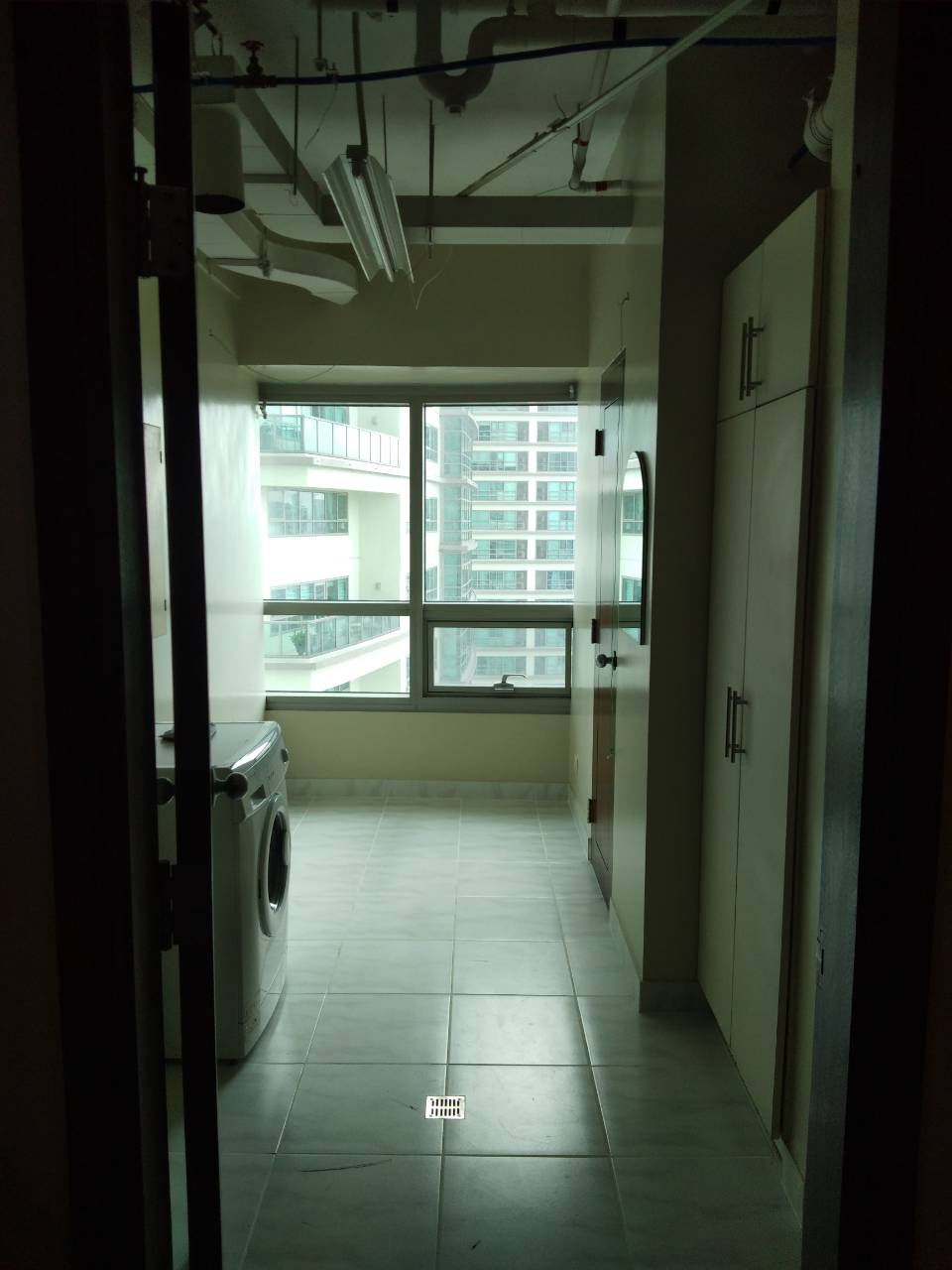2 Bedrooms Condo For Rent, The Residences At Greenbelt Washing Area Entrance