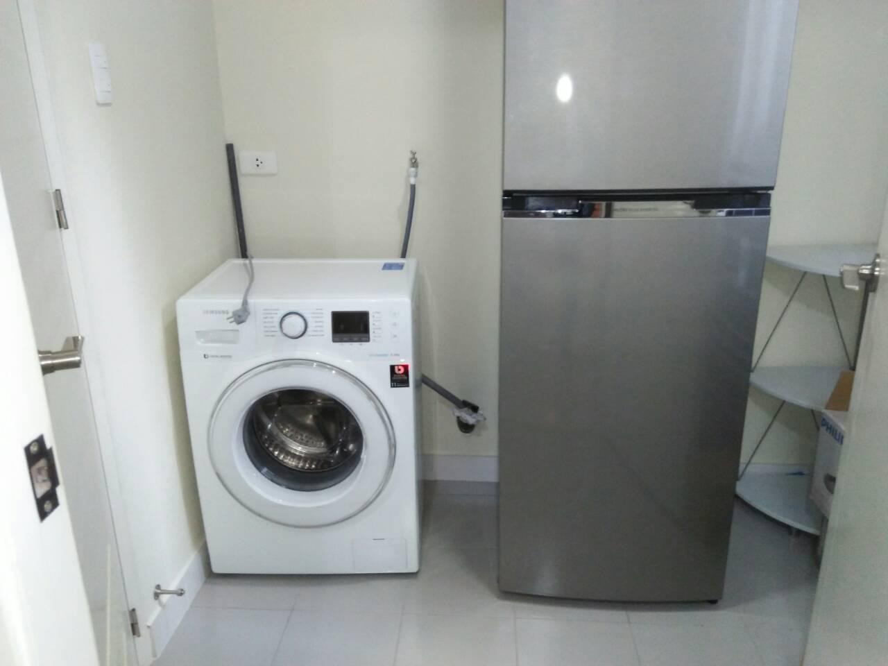 2 Bedrooms Condo, Shang Salcedo Place Wash Room