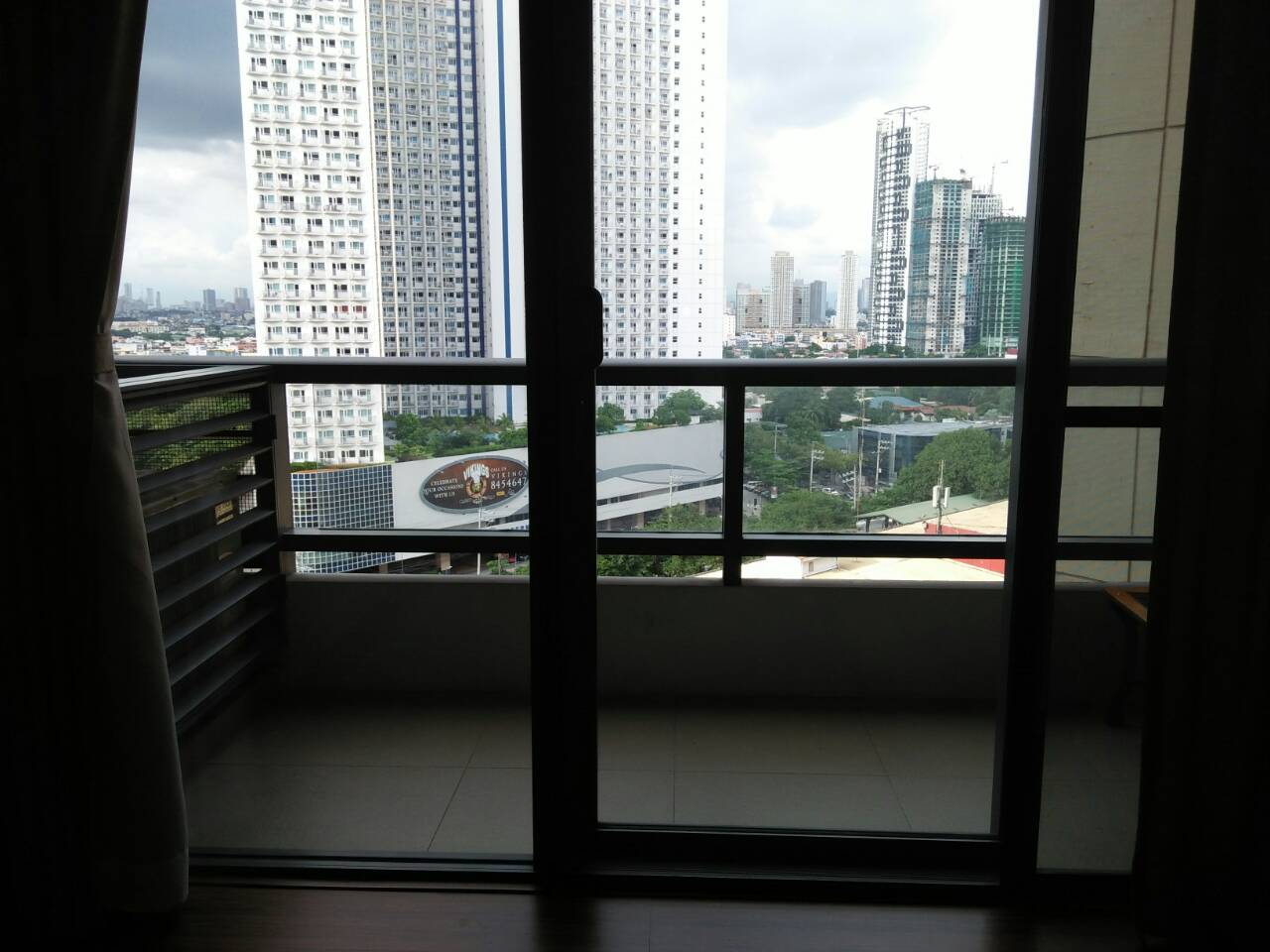 2 Bedrooms Condo For Sale Shang Salcedo Place Makati City The Real Estate Group Philippines