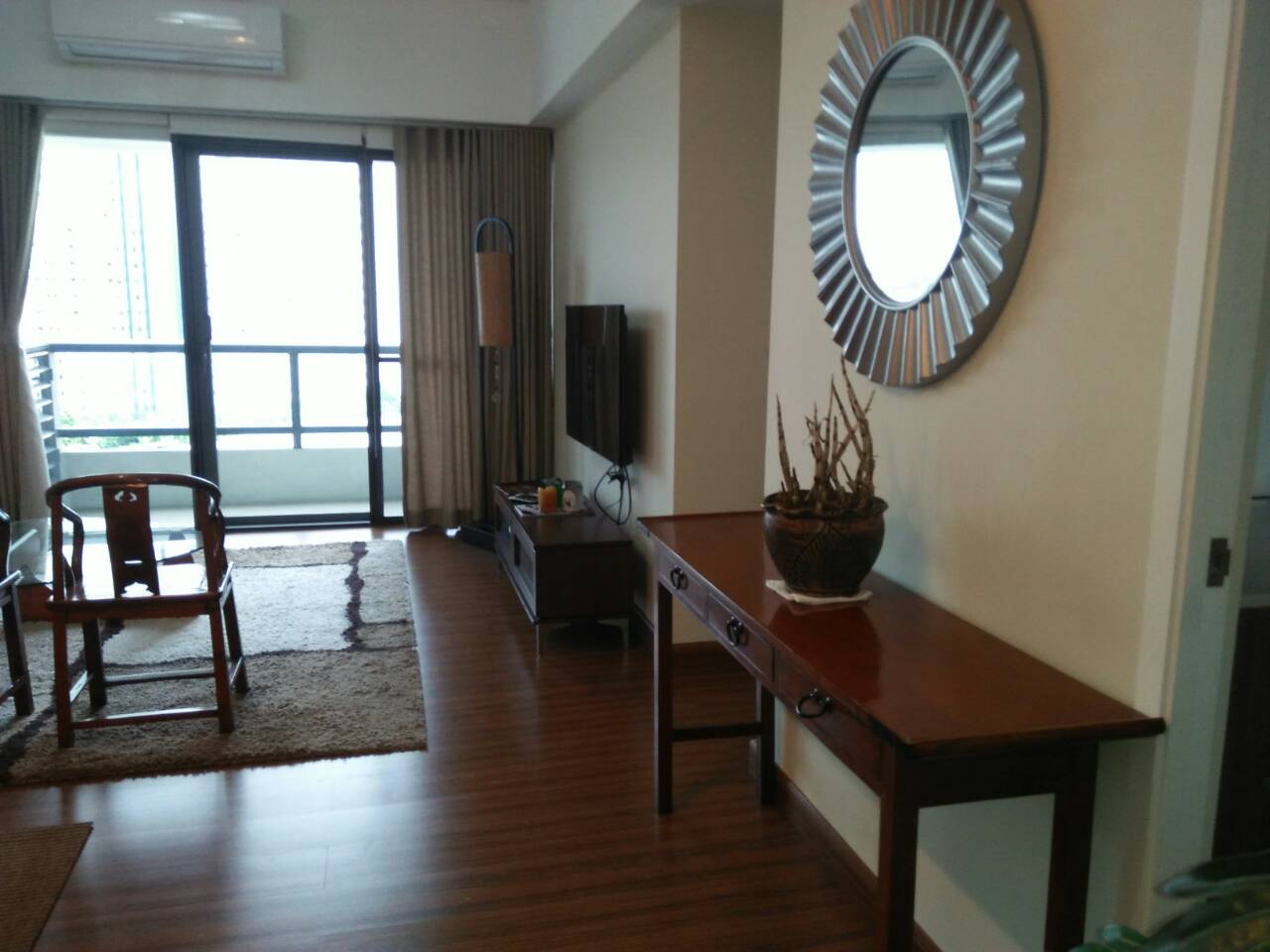 2 Bedrooms Condo, Shang Salcedo Place Living Area View 2