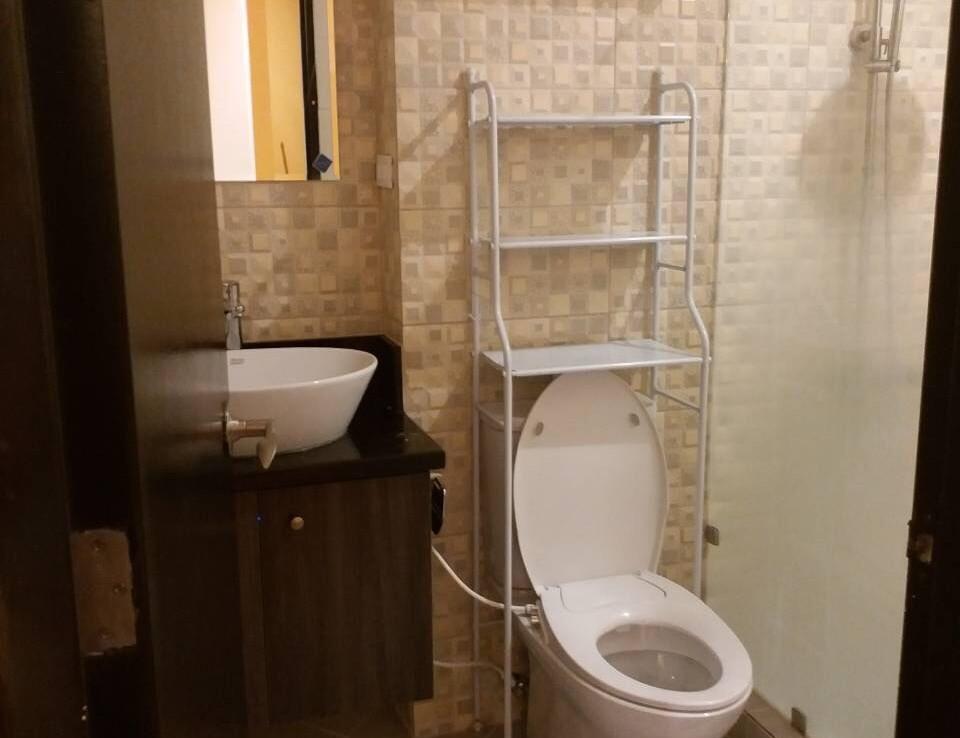 2BR Condo For Sale, Tuscany Estate, Taguig City Bathroom 2.2