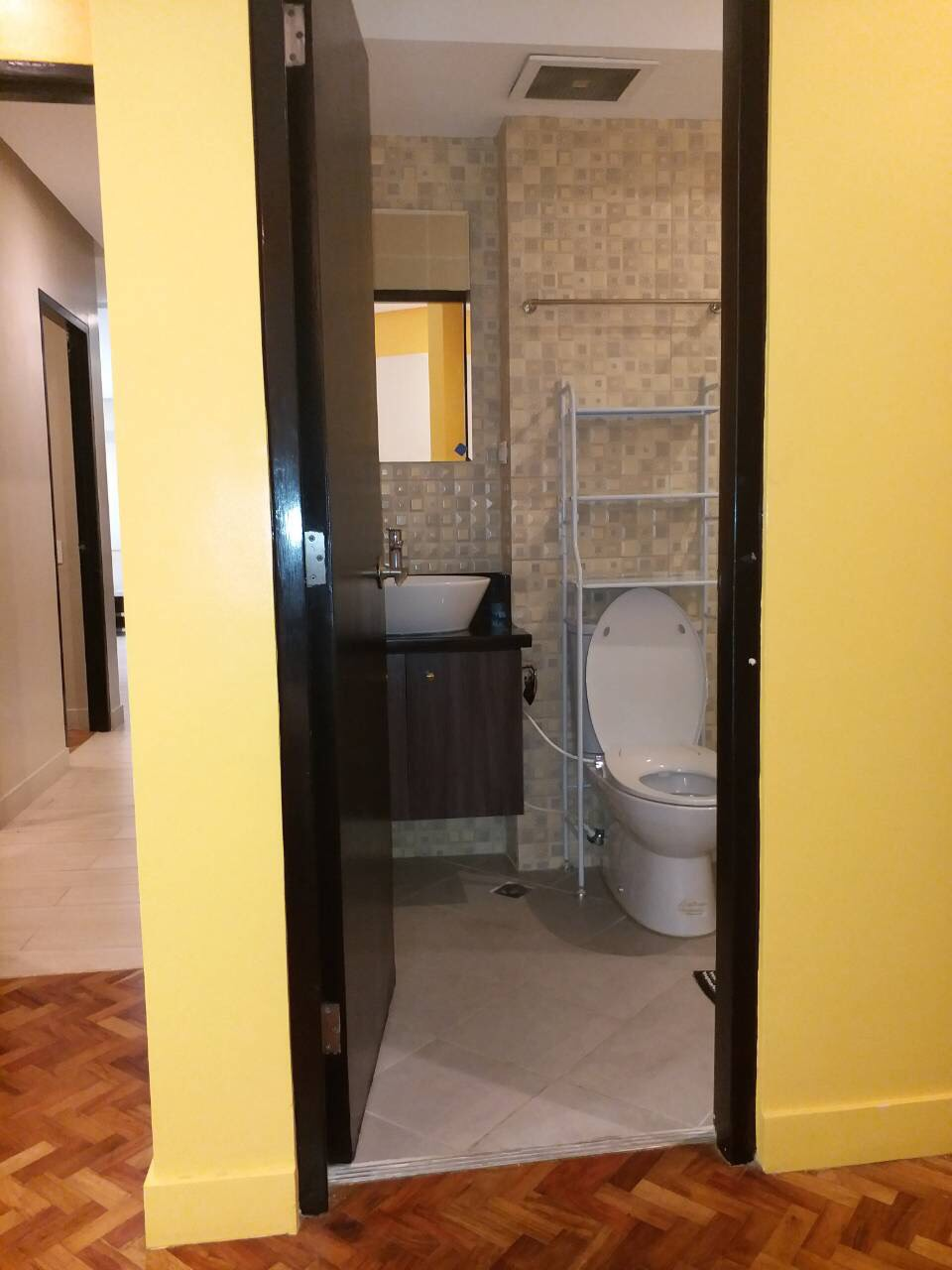 For Rent, Almond, Two Serendra, BGC, Taguig City Bathroom 1