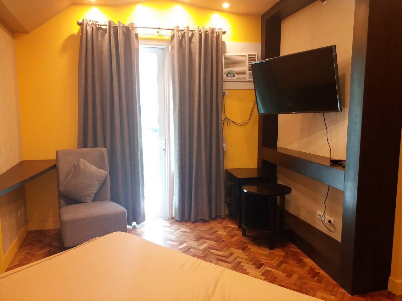For Rent, Almond, Two Serendra, BGC, Taguig City Bedroom 1