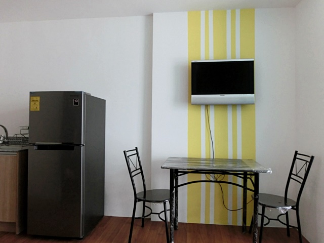Dinning area 1BR Condo For Rent The Linear Makati City