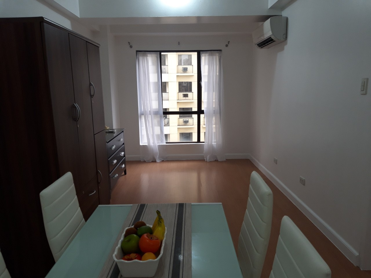 1 Bedroom Condo For Sale, Forbeswood Heights, BGC Dining Area View