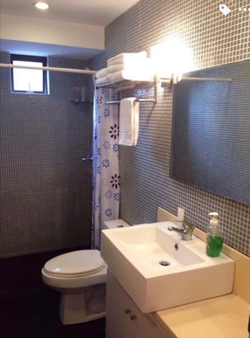 1 Bedroom Condo For Sale, Forbeswood Heights Bathroom