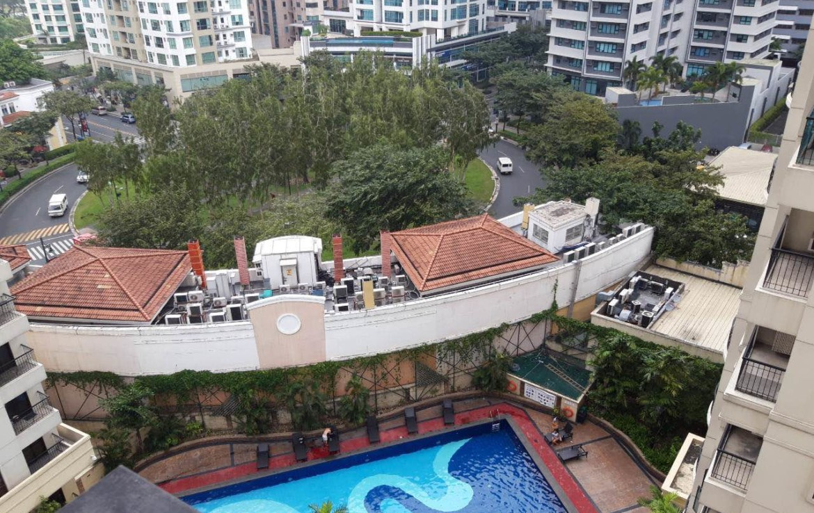1 Bedroom Condo For Sale, Forbeswood Heights, BGC Bathroom Top View