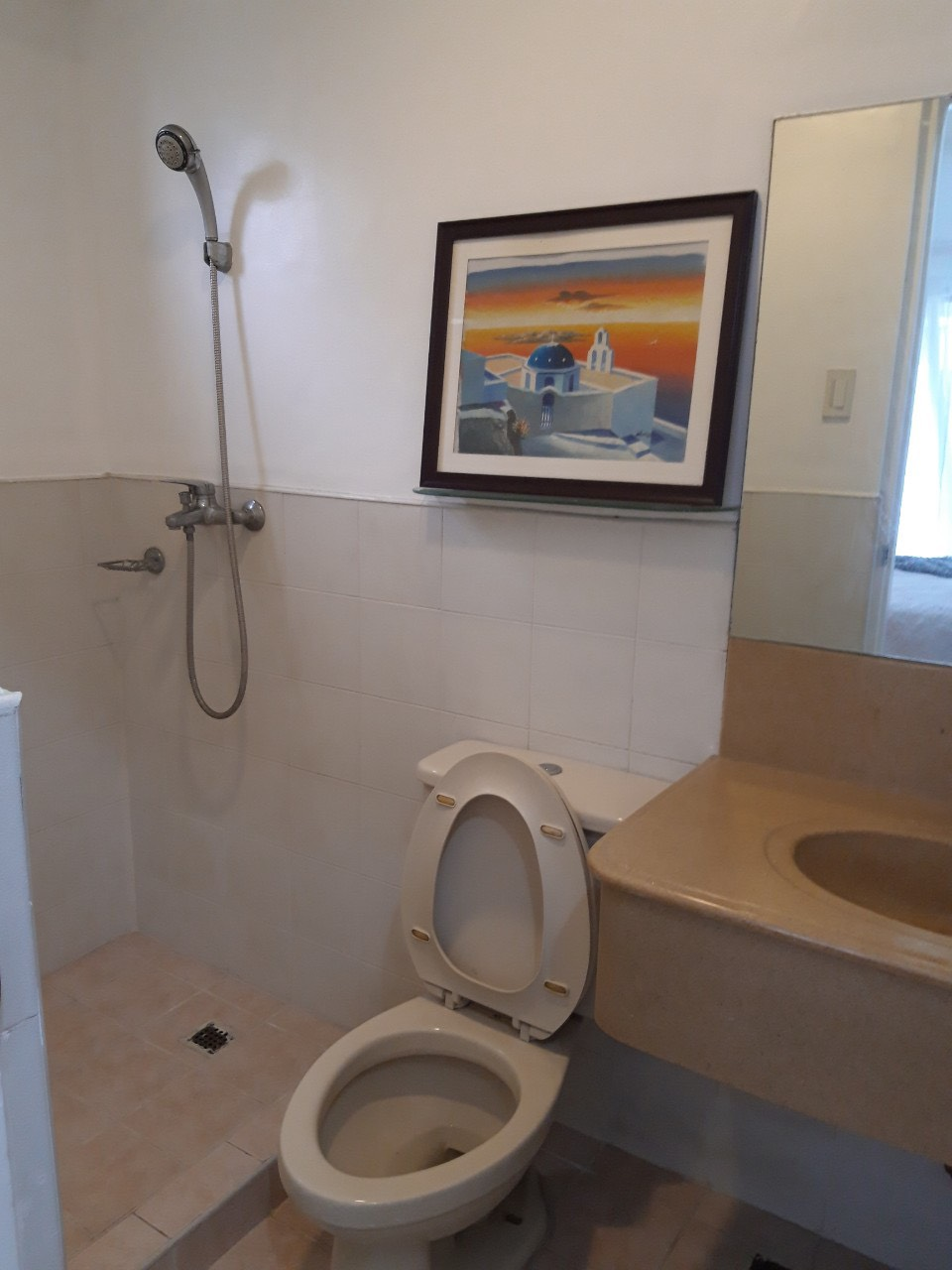 1 Bedroom Condo For Sale, Forbeswood Heights, BGC Bathroom View 2