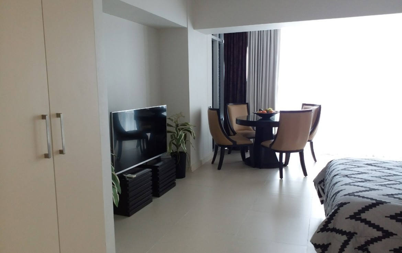 Studio Condo For Rent, Red Oak, Two Serendra 8