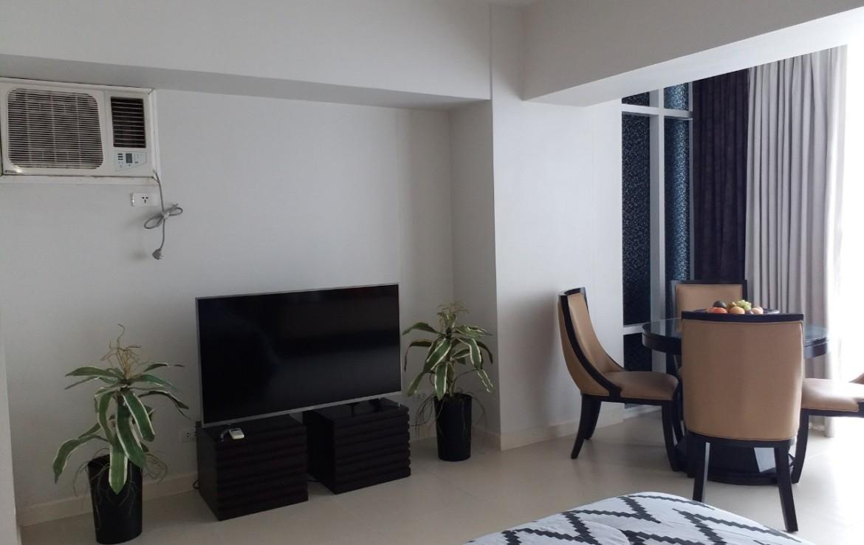 Studio Condo For Rent, Red Oak, Two Serendra 1