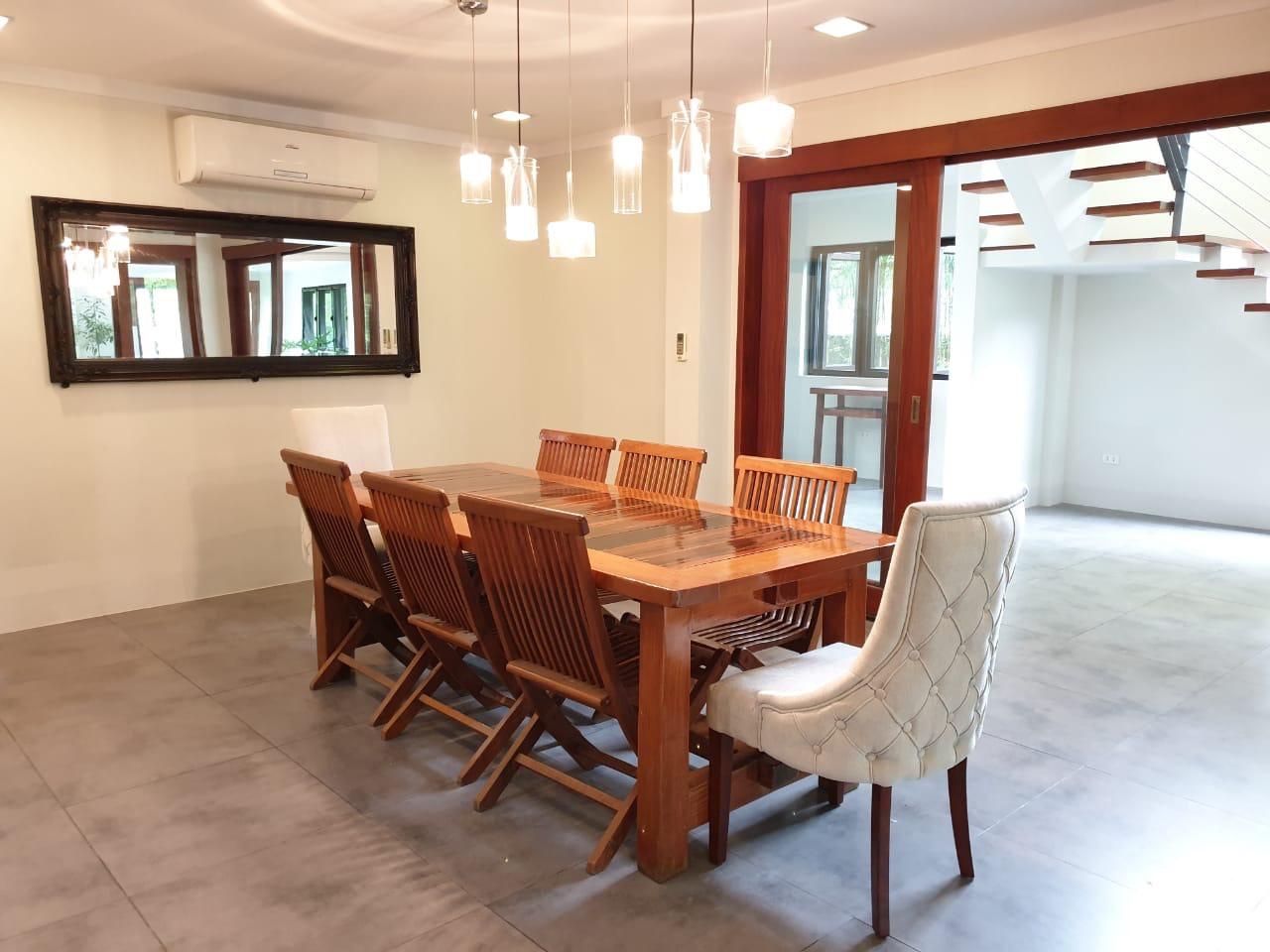 4 Bedrooms House For Sale, Ayala Alabang 13