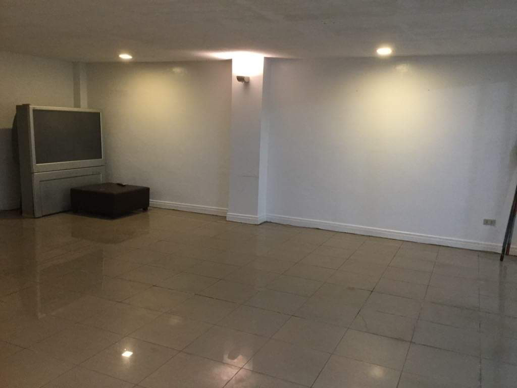 4 Bedroom House For Rent, Sampaguita Street Valle 2 2nd View 10