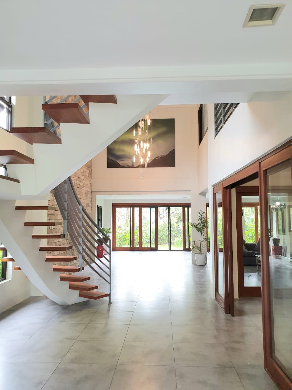 4 Bedrooms House For Sale, Ayala Alabang 5