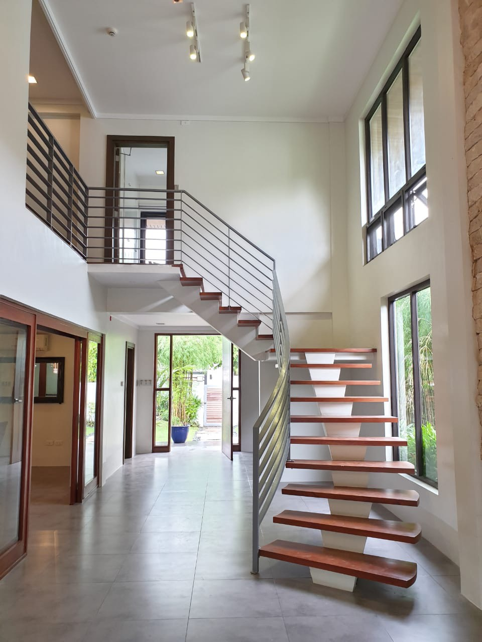 4 Bedrooms House For Sale, Ayala Alabang 6