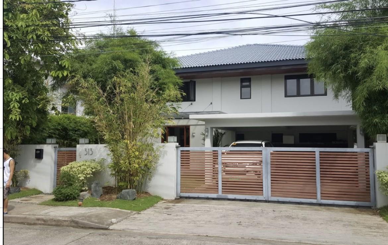 4 Bedrooms House For Sale, Ayala Alabang, Muntinlupa City