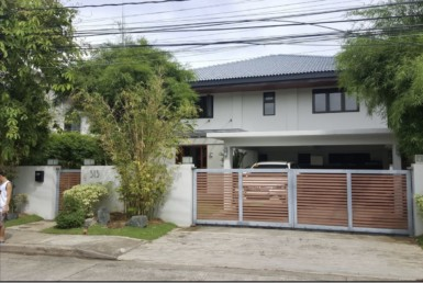 4 Bedrooms House For Sale, Ayala Alabang, Muntinlupa City