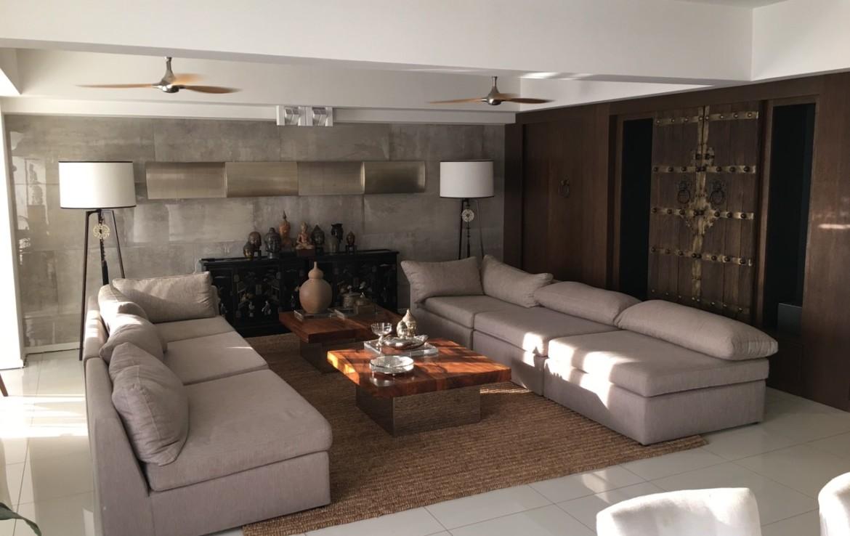 3BR Penthouse For Sale, Senta, Legaspi Village 1