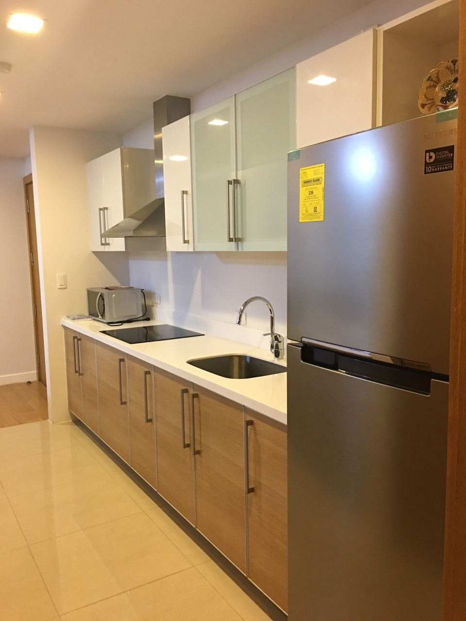 1BR Condo For Rent, Park Terraces Kitchen 2