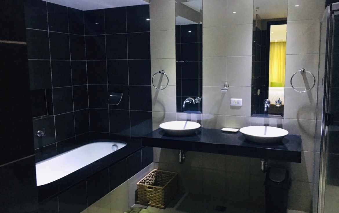 2BR Condo For Rent One McKinley Place, BGC 5