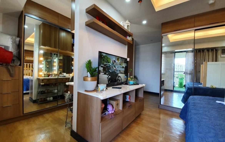 2BR Condo For Sale, Royal Palm Residences, Acacia Estate 5