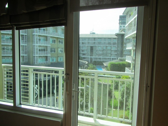 2 Bedroom Condo For Lease, Palm One Serendra 6