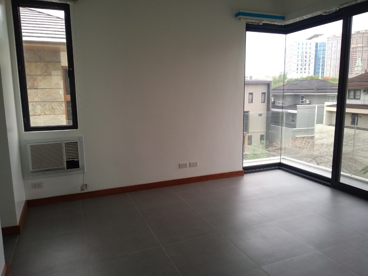 5BR House For Lease, McKinley Hill Village 13