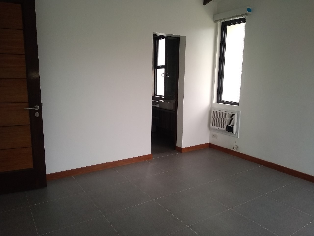 5BR House For Lease, McKinley Hill Village 14