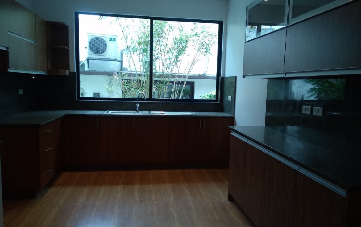 5 Bedrooms House For Rent, McKinley Hill Village 10