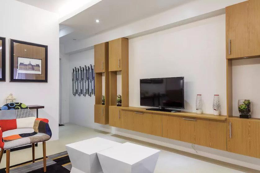 1BR Condo For Lease, Perla Mansion Living Area 1