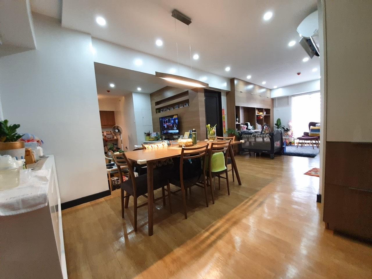 2BR Condo For Sale, Royal Palm Residences, Acacia Estate 7