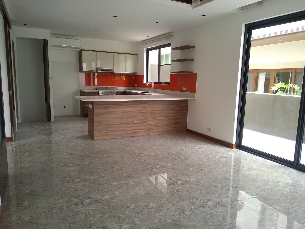 5BR House For Lease, McKinley Hill Village 5