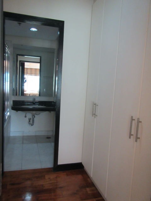 2 Bedroom Condo For Lease, Palm One Serendra 7