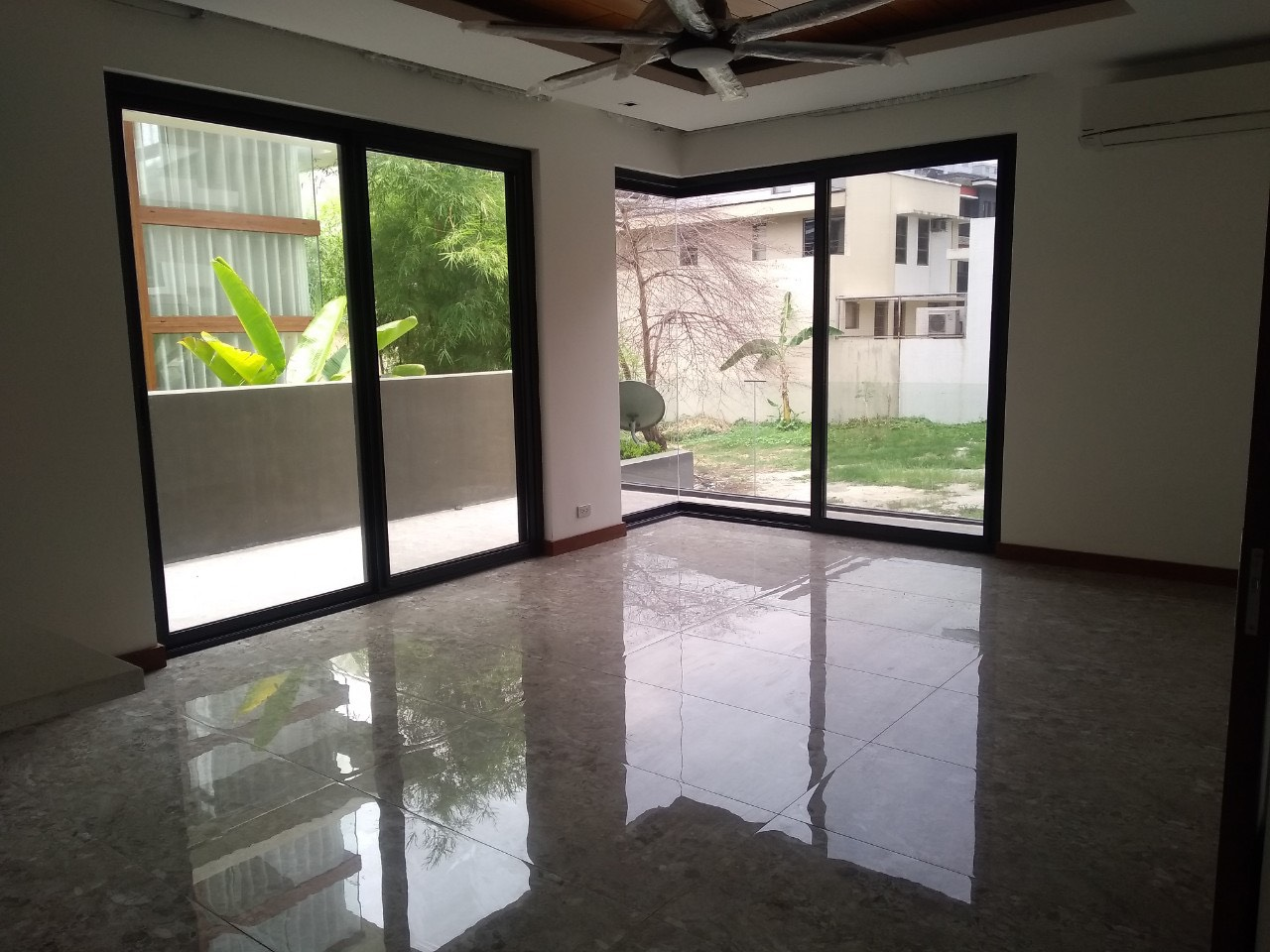 5BR House For Lease, McKinley Hill Village 8