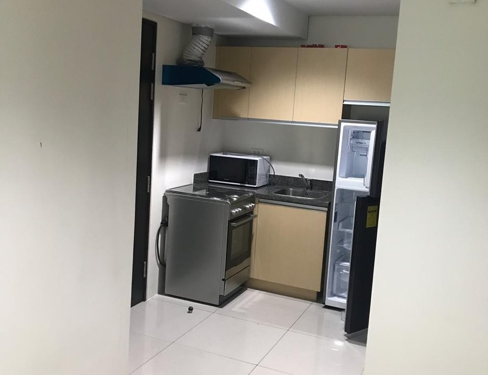 2BR Condo For Lease, Parkwest, BGC 5