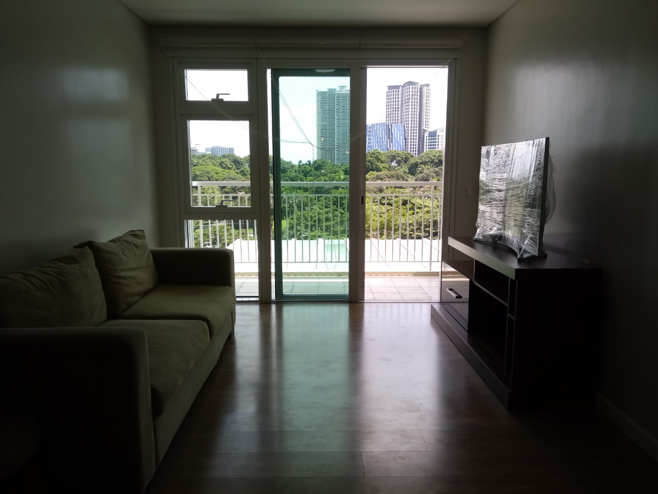 3BR Condo For Lease, The Sequoia at Two Serendra 6