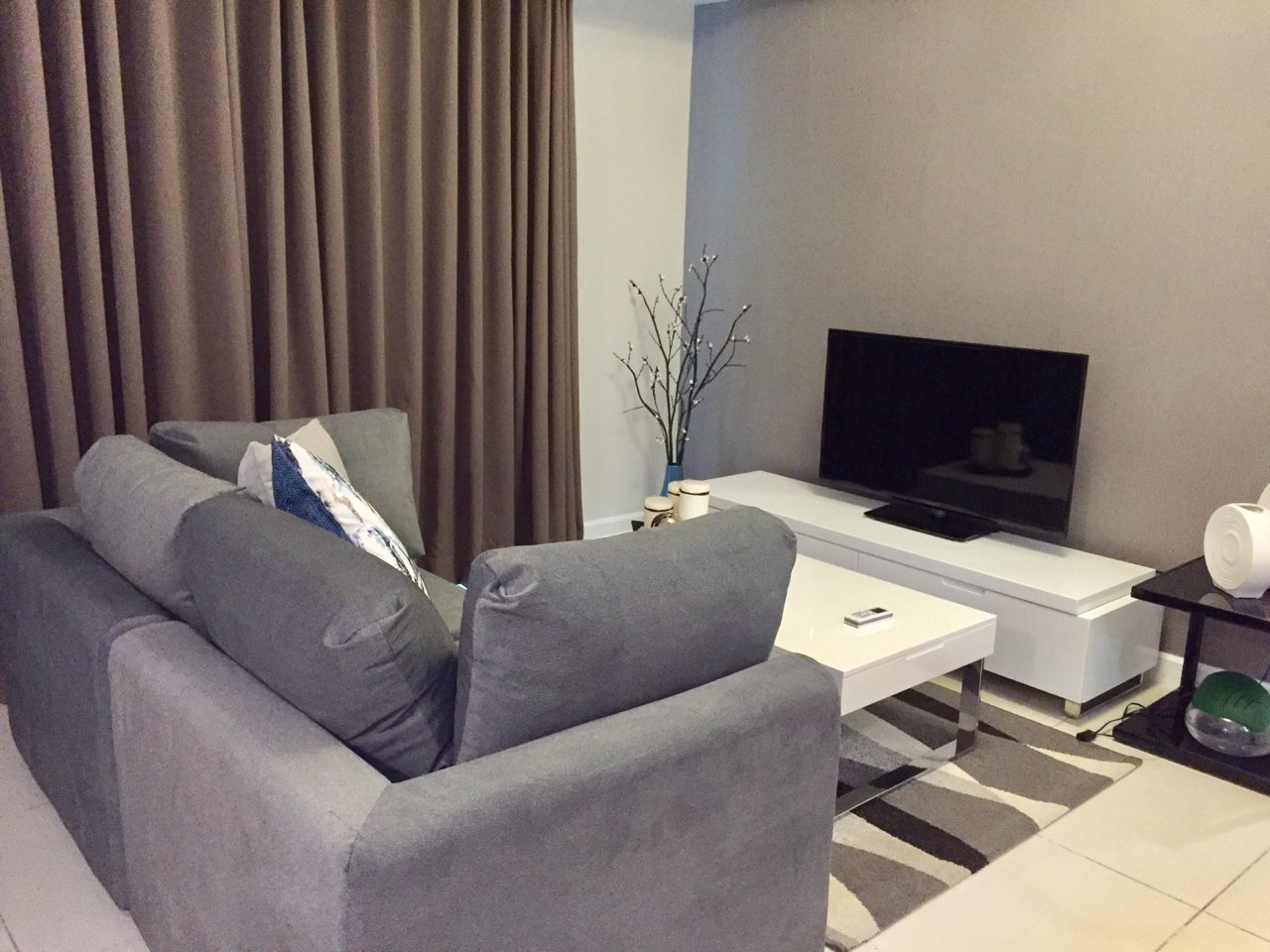 2BR Condo For Rent, Red Oak at Two Serendra 2