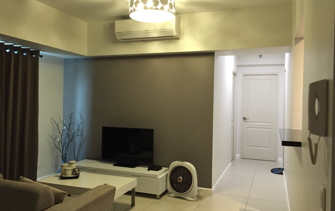 2BR Condo For Rent, Red Oak at Two Serendra 8