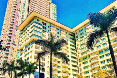 One Serendra Condo For Lease