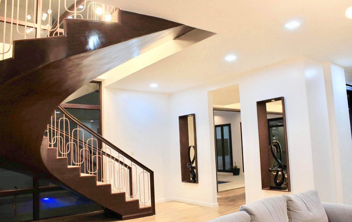 6BR House For Rent, Greenwoods Executive Village 1
