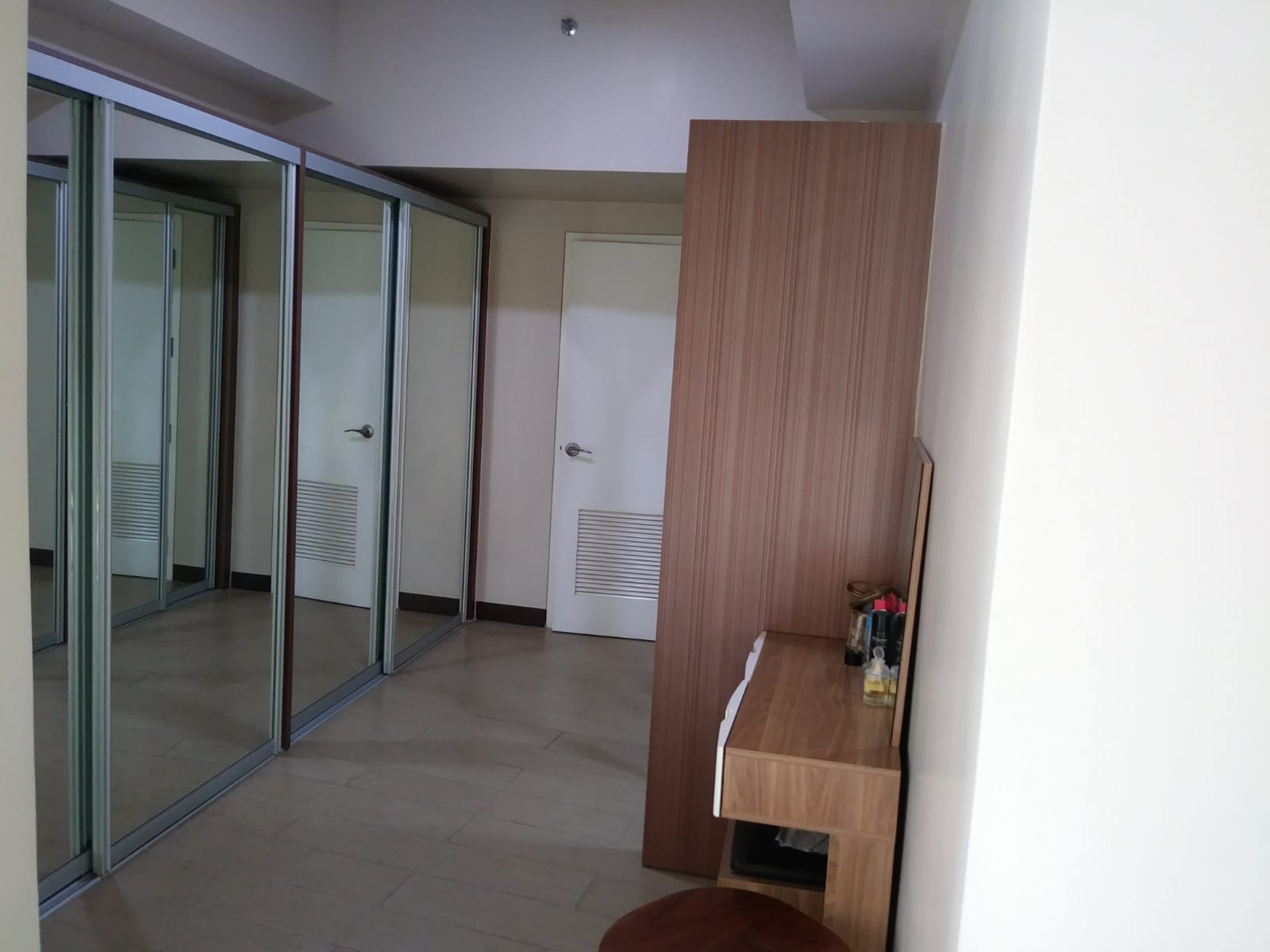 1 Bedroom Condo For Sale at 8 Forbestown Road, BGC, Taguig City 5
