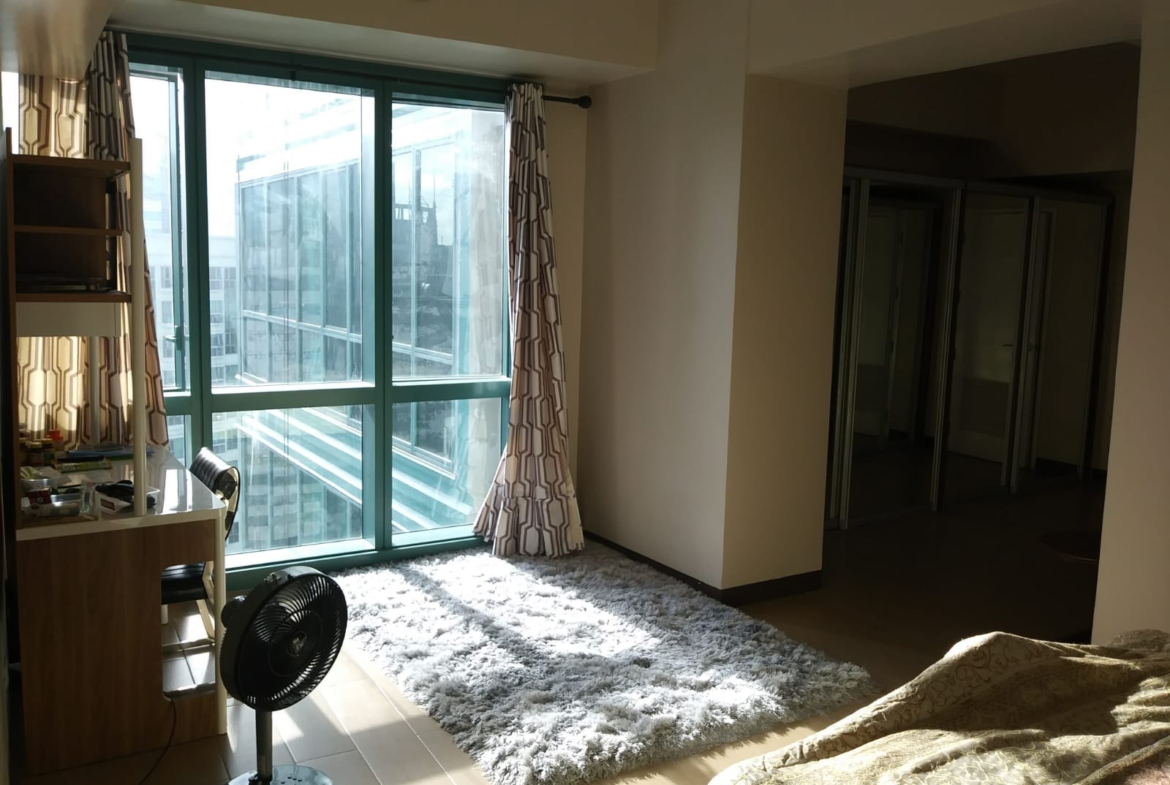 1 Bedroom Condo For Sale at 8 Forbestown Road, BGC, Taguig City