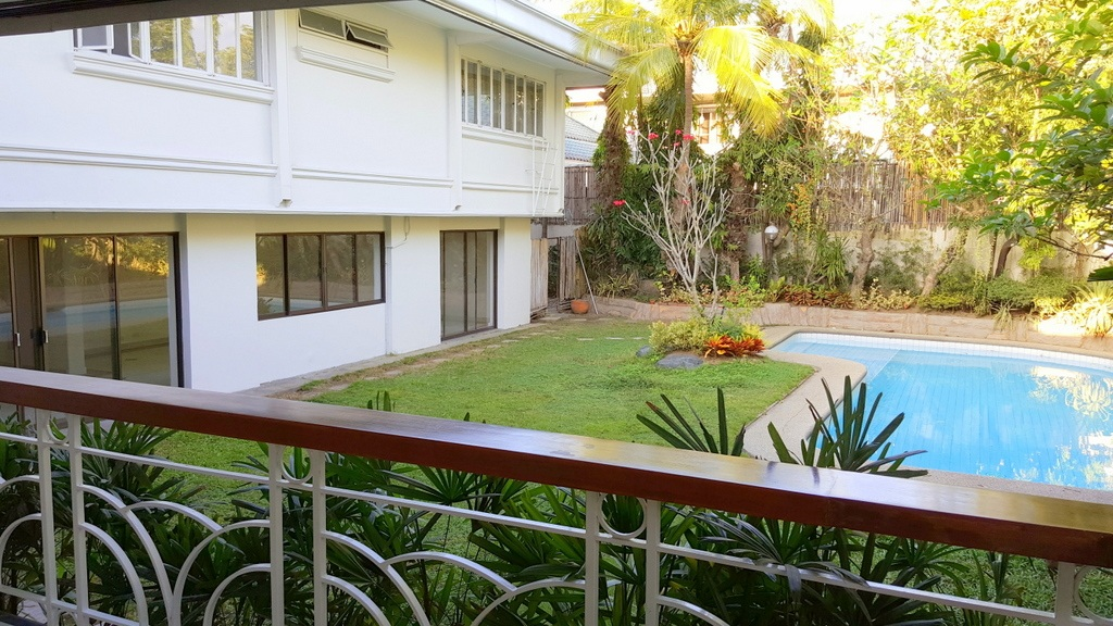 5 Bedroom House For Lease at Calumpang, Dasmarinas Village, Makati City 23