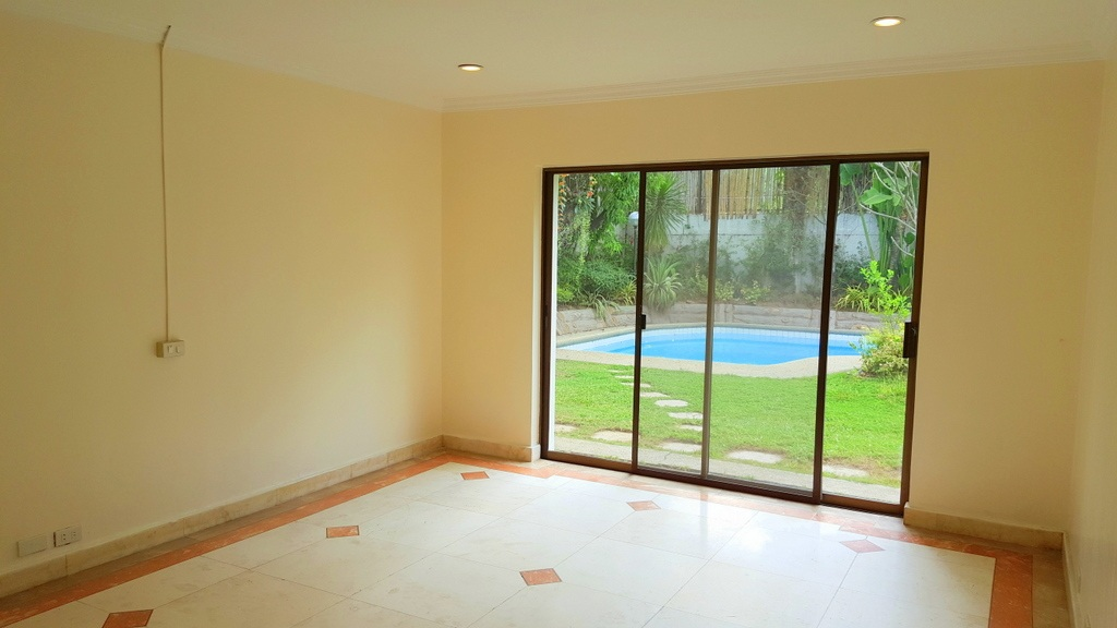5 Bedroom House For Lease at Calumpang, Dasmarinas Village, Makati City 4