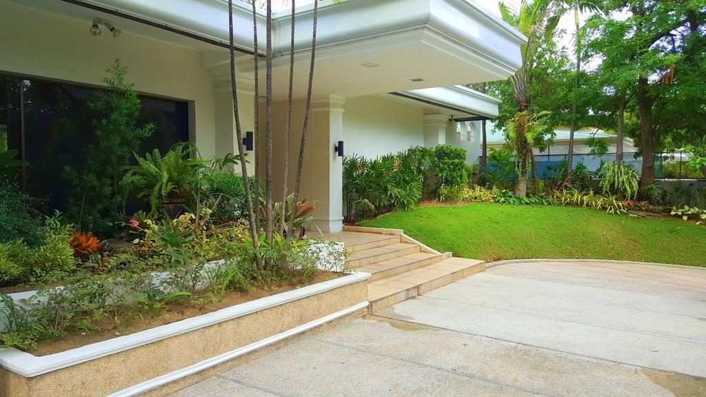5 Bedroom House For Lease at Calumpang, Dasmarinas Village, Makati City 5