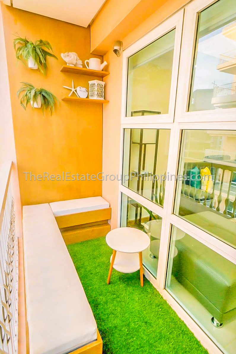 2BR Condo For Sale Venice Residences McKinley Hill Taguig (2 of 10)