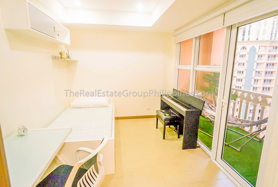 2BR Condo For Sale Venice Residences McKinley Hill Taguig (4 of 10)