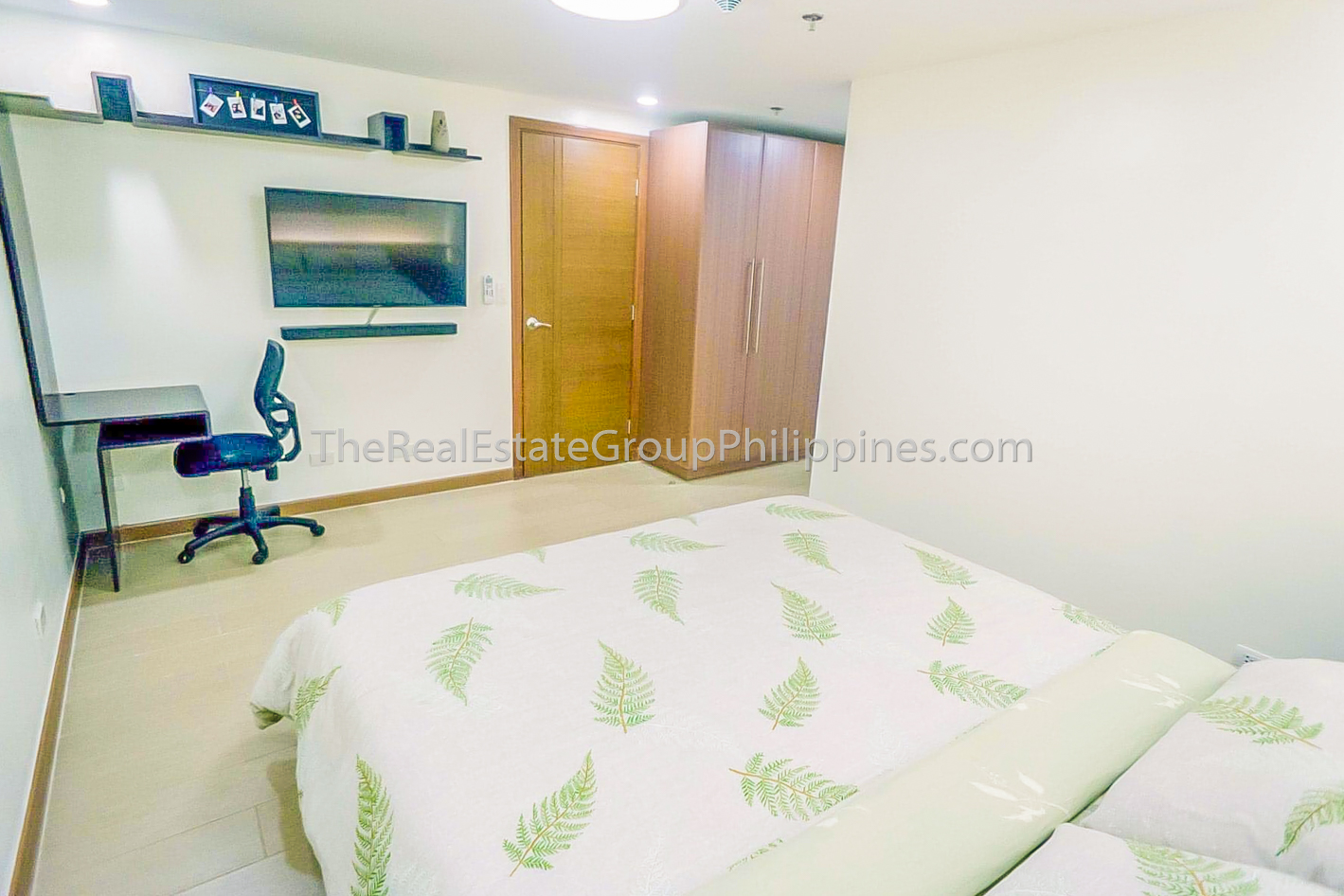 2BR Condo For Sale Venice Residences McKinley Hill Taguig (5 of 10)